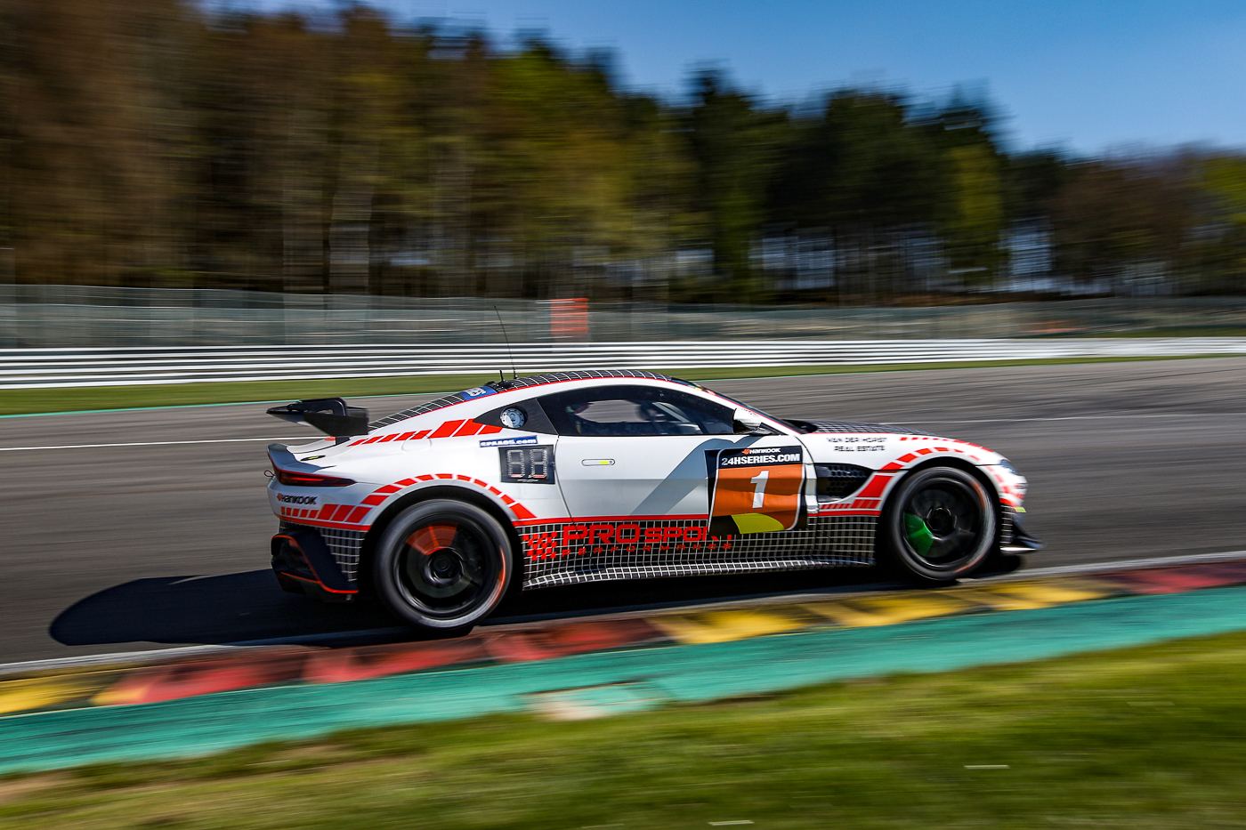 On The Grid With The Aston Martin Vantage Gt4